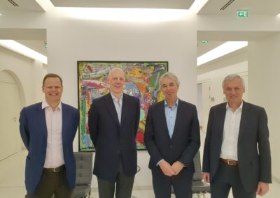 Vertragsunterzeichnung Liechtenstein Gruppe und PV-Invest (v.l. Constantin Liechtenstein und Johannes Meran, Geschäftsführer der Liechtenstein Beteiligungs GmbH; Gerhard Rabensteiner und Günter Grabner geschäftsführenden Gesellschafter der PV-Invest)